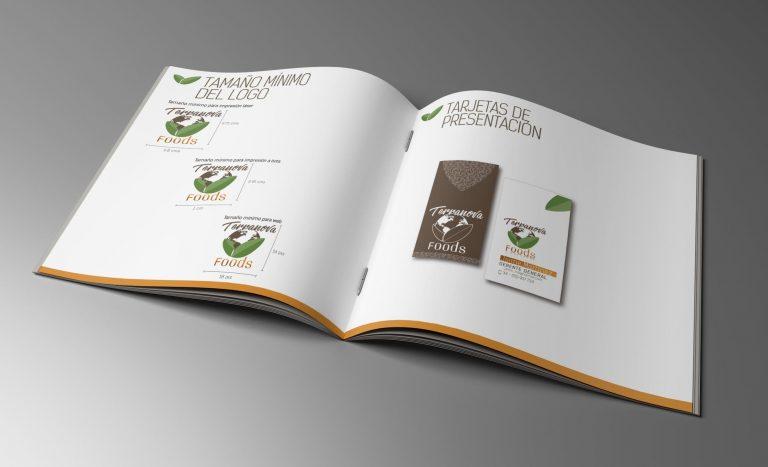 Mock-up_Brochure_21x21_4